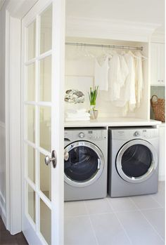 modern laundry room, i would love to get a laundry room like this in my future house