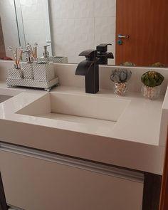 Este posibil ca imaginea să conţină: masă şi interior Sink, Bathroom, House, Mansion, Design, Instagram, Decorating Ideas, Home Decor, Toilet Decoration