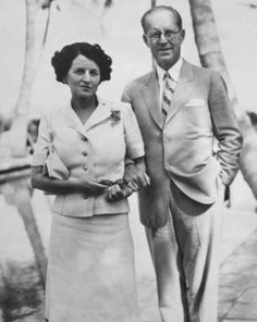 Rose Kennedy's Family Album - Rose and Joe Kennedy in Palm Beach, February Kennedys family. Joe Kennedy Sr, Rose Kennedy, Charlize Theron Style, Presidential Libraries, John Fitzgerald, Family Album, Jfk, Historical Photos, Famous People