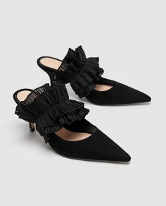 Leather Mule Court Shoes With Ruffles // USD // Zara // Black leather mule high-heel court shoes. Pleated ruffle detail on the instep. Heel height of cm. Dior Shoes, Zara Shoes, Zara Fashion, Fashion Shoes, Women's Leather Mules, Slingback Mules, Kinds Of Shoes, Trendy Shoes, Court Shoes