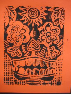 Multicultural Art lesson for Day of the dead Scratch foam print inspired by Jose Posada - maybe add glitter, glitter glue, gems and flowers! Samhain, 8th Grade Art, Day Of The Dead Art, Art Curriculum, School Art Projects, Art Lessons Elementary, Autumn Art, Mexican Folk Art, Art Lesson Plans