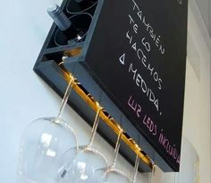 Original mueble para botellas y copas con iluminación de leds   Las medidas para 14 botellas (7 por lado)   50 x 80 cm. Aproximad...