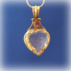 """The pendant top of a crystal and amethyst   Silver   One pure gold use thing   An original -  crystal, an angel, and healing one-house house"""" Crystal Garden   Mejiro """""""