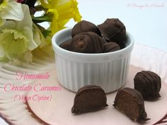 Homemade Chocolate Caramels {Vegan Option} ... these chocolate caramels are sweet, delectable + only have 3 ingredients. Make up a batch and share some with those you love.| Recipes to Nourish