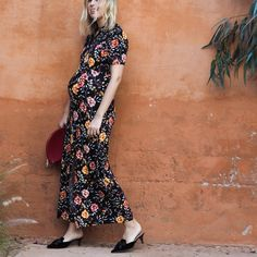 I am doing my best not to buy too many maternity clothes. Maternity Fashion Wedding, Maternity Wedding Guests, Maternity Dresses, Stylish Maternity, Pregnancy Fashion, Maternity Style, Bridal Fashion, Wedding Guest Dresses Uk, Wedding Guest Style