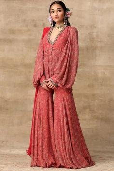 Buy Printed Kurta Sharara Set by Ridhi Mehra at Aza Fashions Half Saree Designs, Sari Blouse Designs, Blouse Styles, Sharara, Anarkali, Indian Couture, Buy Prints, Indian Designer Wear, Fashion Show