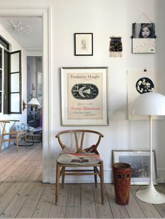 Wishbone chair by Hans J. Wegner from Carl Hansen & Søn and Panthella floor lamp by Verner Panton from Louis Poulsen | my scandinavian home