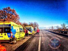 BUENOS DÍAS MUNCOOO desde SANABRIA !!  Con esta imagen del seguidor @Felipe José Martinez Varela en acción en Puebla de #Sanabria de Zamora, comenzamos una nueva jornada.  Buenos días #Zamora, buenos días mundooo...!!!  #ambulancia #emergencias #tes #tts #guedel #triaje #sva #svb. http://www.ambulanciasyemergencias.co.vu/2015/08/SANABRIA1.html