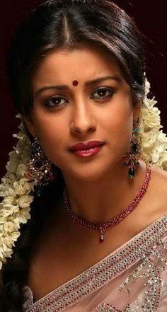 Beautiful Girl Indian, Beautiful Indian Actress, Beautiful Gorgeous, Beautiful Saree, Gorgeous Women, Simply Beautiful, Beauty Full Girl, Cute Beauty, Beauty Women