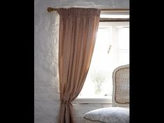 Here's an easy way to create perfect fitting, fully lined, professional looking curtains! Sew your own and save a lot of money, make the prefect size and col. Sheet Curtains, Cute Curtains, No Sew Curtains, Elegant Curtains, Rod Pocket Curtains, Lined Curtains, Boys Bedroom Curtains, Cottage Curtains, Dining Room Curtains