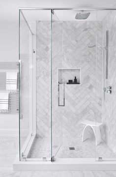 Eye-popping small bathroom - go and visit our write-up for more suggestions! Large Tile Bathroom, Grey Marble Bathroom, Gray Shower Tile, Master Bathroom Shower, Marble Tile Shower, Grey Bathroom Floor, Marble Showers, Marble Bathrooms, Bad Inspiration
