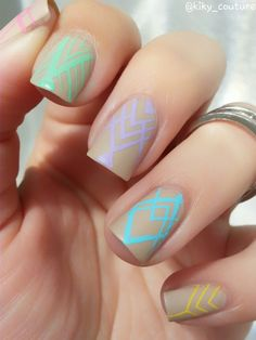 Moyou London Holy Shapes nail stamping                                                                                                                                                                                 Más