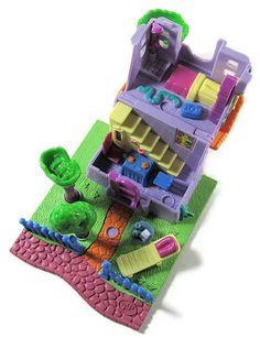 1994 Polly Pocket Giraffe House - Animal Wonderland Collection Big G's Treetops Bluebird Ref. Polly Pocket World, Blues Clues, Barbie Party, 90s Toys, 90s Childhood, Pretty And Cute, Toy Boxes, Blue Bird, My Little Pony