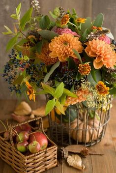 Brightest flower arrangements for the kitchen. Fall flowers with apples and pumpkin in wire/wooden baskets . Deco Floral, Arte Floral, Ikebana, Fruits Decoration, Deco Champetre, Autumn Table, Fall Arrangements, Autumn Decorating, Decorating Ideas