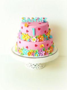 Fab Cakes, Girly Cakes, Sweet Cakes, Cute Cakes, Baby Birthday Cakes, 3rd Birthday, Birthday Ideas, Biscuits, Fondant Wedding Cakes