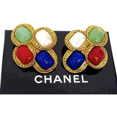 Vintage Chanel Gripoix Coin Cluster Earrings ($490) ❤ liked on Polyvore featuring jewelry, earrings, stud, cabochon jewelry, cluster jewelry, coin jewelry, coin jewellery and cluster earrings