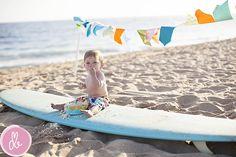 Surfboard beach cake smash!@Erin Edmondson- please, please tell me we can do this!!!!