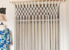 Risultati immagini per macrame cortinas Closet Curtains, Curtain Room, Room Divider Curtain, Diy Curtains, Macrame Curtain, Macrame Plant Hangers, Hanging Door Beads, Sisal, Macrame Projects