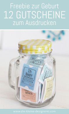 Freebie zum Ausdrucken, eine schnelle Geschenkidee zur Geburt: 11 unterschiedliche Gutscheine für frischgebackene Eltern. Download nach Anmeldung auf www.die-kleine-designerei.com
