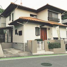 外観は昭和テイストの南欧の家