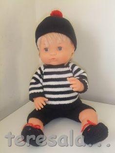 Aquí os dejo otro modelo para Nenuco que acabo de terminar. La ventaja de poder calcetar para muñecos es que los puedes vestir de verano, a...