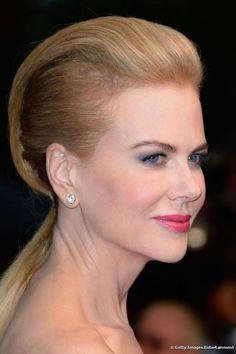 Nicole Kidman apostó por el peinado con una cola de caballo baja y un falso sidecut.