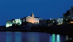 In recent years, travellers have increasingly made their way to some of the jewelled towns that dot one of Italy's most fascinating regions: Puglia, the famous heel ofil bel paese. Given its tumultuous history and its splendid geographical location, Puglia truly has it all.