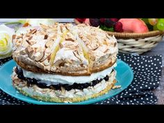 "Tort ""Ceresc"" - un desert aerat, moale și extrem de aspectuos ! - YouTube No Cook Desserts, Summer Desserts, Sweets Recipes, Delicious Desserts, Cake Recipes, Mini Cakes, Cupcake Cakes, Romanian Desserts, Romanian Food"