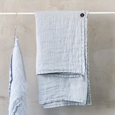 Large linen waffle bath towel / Washed linen bath sheet