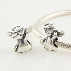 Pandora Twin Hearts With 2 Pairs Of Baby Feet Charm