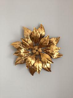 Wandlampe,Wandleuchte florentiner Art, Goldblätter, Design, Lampe, Gold, Art deco, Vintage. Messing von moovi auf Etsy