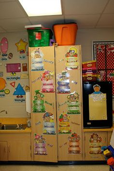 Below is are pictures of our classroom. Lots of learning will take place as your child walks through the door as well as tons of fun! Beginning Of Kindergarten, Kindergarten Classroom, Classroom Ideas, Locker Storage, Teacher, Tours, Learning, Children, School