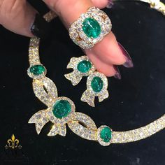 Cabochon emerlads are surrounded by diamonds in this beautiful suite ⚜️⚜️#yafasignedjewels #signedjewelry #vintagejewelry #vintage #forsale #newyork #investment #finejewelry #jewelry #estatejewelry #finejewelry #gold #diamonds #emerald #Diamond