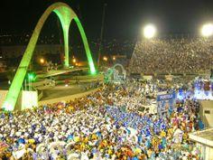 Arc at the end of  Sambodromo / Oblouk na konci Sambodromu