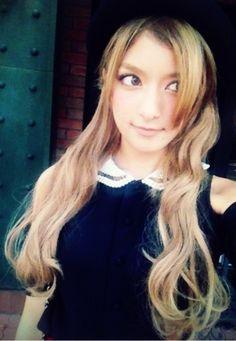Rola (Japanese model n TV personality) Cute Woman, Pretty Woman, Cute Kawaii Girl, Cute Asian Fashion, Japan Woman, Alternative Hair, Japanese Models, Beautiful Person, Girl Model