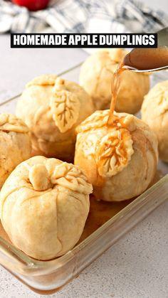 Great Desserts, Best Dessert Recipes, Apple Recipes, Fall Recipes, Baking Recipes, Delicious Desserts, Yummy Food, Apple Dumpling Recipe, Apple Dumplings