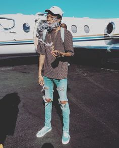 Private Plane like Papers-Plane Smoke OG hit um-up Like Kk Mode Chic, Mode Style, Urban Fashion, Mens Fashion, Fashion Edgy, Fashion 2018, Runway Fashion, Spring Fashion, High Fashion