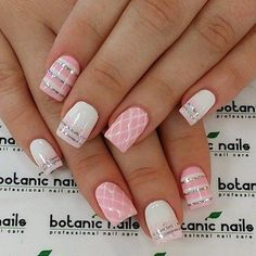 The advantage of the gel is that it allows you to enjoy your French manicure for a long time. There are four different ways to make a French manicure on gel nails. Cute Summer Nail Designs, Cute Summer Nails, Spring Nails, Autumn Nails, Fingernail Designs, Diy Nail Designs, Acrylic Nail Designs, Girls Nail Designs, Botanic Nails