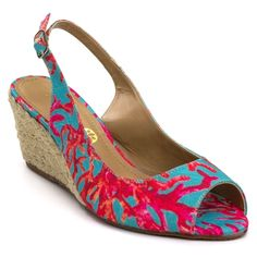 2829ffe96 A Sandália Anabela Santa Flor Coral - Verde/Vermelho é uma sandália  charmosa e delicada para um dia mais alegre com a estampa viva e colorida  da sandália ...