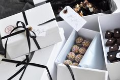 chocolate truffles in gift boxes for visiting (and for us too)! Godis