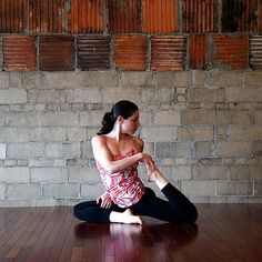 The latest tips and news on Yoga Sequences are on POPSUGAR Fitness. On POPSUGAR Fitness you will find everything you need on fitness, health and Yoga Sequences. Workouts For Teens, Fun Workouts, Workout Memes, Workout Videos, Yoga Sequences, Yoga Poses, Fit Girl Motivation, Fitness Motivation, Post Run Stretches
