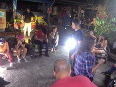 """Making of da """"batalha de MCs"""" na Casa Fora do Eixo (SP) entre as participantes do reality show """"Papito in Love"""", com Supla, para a nova MTV. (2013)"""