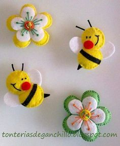 Felt bee and flowersbumble bees & flowers (tutorial in Spanish)moldes de fieltro I think these would make neat barrettes for a little girl.darling bees for the flower pageFelt ornament or pin: daisy flower, cute bees Luty Arts Crochet Felt Diy, Felt Crafts, Crafts To Make, Fabric Crafts, Sewing Crafts, Sewing Projects, Crafts For Kids, Felt Projects, Book Projects