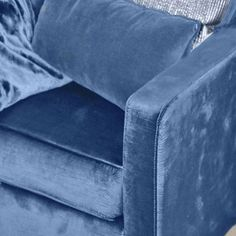 Cool tones make for a soothing addition to the home. Riverside is one of our 210 New Colors for Fashion Home Interiors. Fall 2016 by by pantone Pantone Azul, Pantone 2020, Pantone Color, Azul Indigo, Indigo Blue, Snorkel Blue, Easy Home Decor, Cool Tones, New Blue
