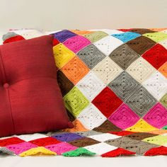 How to Crochet a Lap Rug in Kaleidosopic Colour