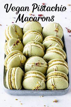 These are my Vegan Pistachio Macarons, made using the French method, filled with Vegan Pistachio Buttercream. Using pistachio flour in the shells. Healthy Vegan Dessert, Cake Vegan, Vegan Dessert Recipes, Vegan Treats, Cookies Vegan, Vegan Cheesecake, Healthy Cookies, Cheesecake Recipes, Vegan Food