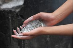 Wood ash as a deoxidizer, fungicide and insectici / Life Design House Cleaning Tips, Life Design, Washing Clothes, Wood Ash, Raw Material, Garden Ideas, Health, Google, Fitness