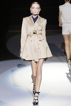 Zac Posen | Spring 2007 Ready-to-Wear Collection. .Perfect Trench.