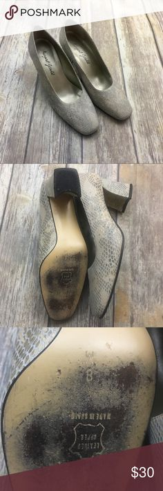 🎈Vintage Margaret Jerrolol Leather Reptile Shoes Leather Reptile shoes. Size 8. In excellent used condition. 2 1/2 inch heel. Does not come with original box. In good condition normal wear. margaret Jerrolol Shoes Ankle Boots & Booties