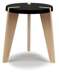 la simpleza de este banquito es donde radica su belleza - Icone stool by Ashkan Heydari